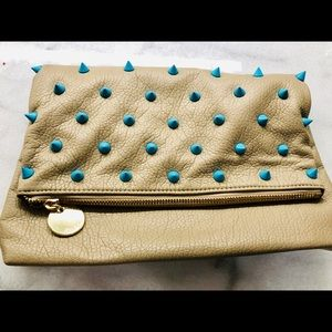 Deux Lux foldover clutch, beige w Turquoise spikes